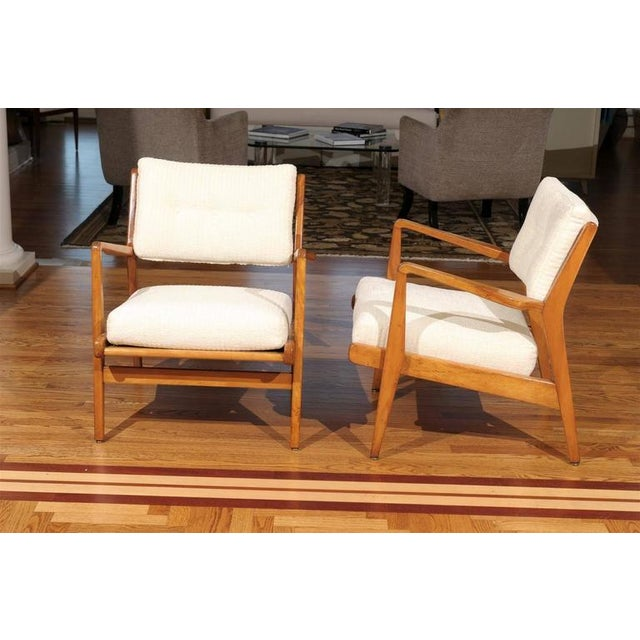1960s Restored Pair of Maple Loungers by Jens Risom For Sale - Image 5 of 10