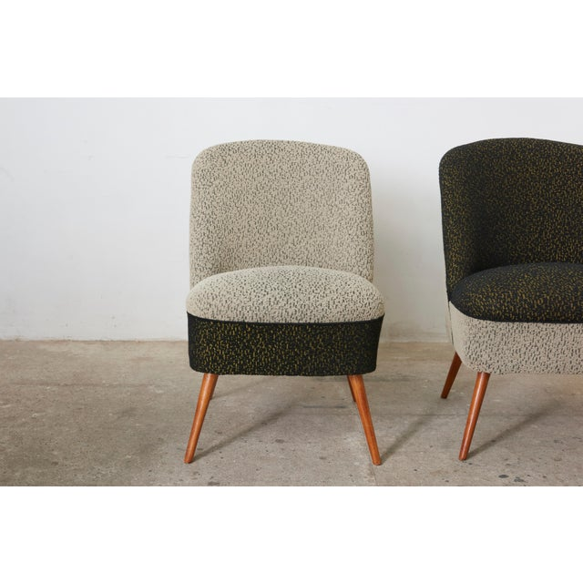 These vintage cocktail chairs have a super comfortable seat with the application of a padding technique, using double...