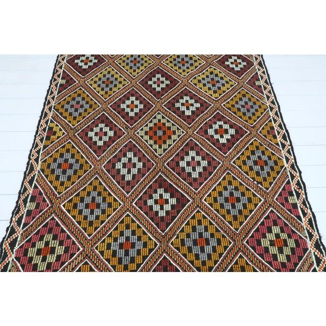 Rug & Kilim Vintage Turkish Antalya Embroidered Kilim Rug- 4′8″ × 9′7″ For Sale - Image 4 of 13