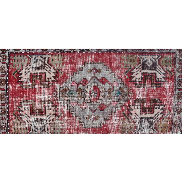 """Early 20th Century Turkish Muted Reds Accent Rug - 1'9"""" X 3'5"""" For Sale - Image 4 of 9"""