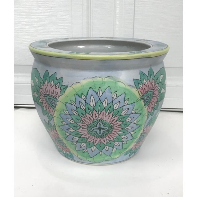 Vintage Oriental Style Jardiniere Planter in Classic Design with Pastel Coloration, which is very 2019! In great condition...