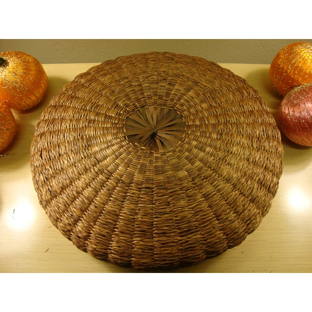 Vintage Spun Satin Ornaments in Antique Baskets - Image 5 of 8
