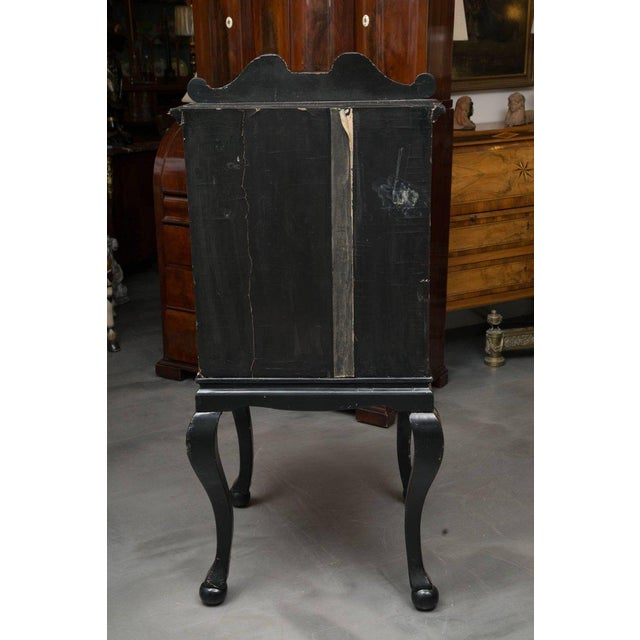 19th Century English Queen Anne Chinoiserie Chest on Stand - Image 3 of 10