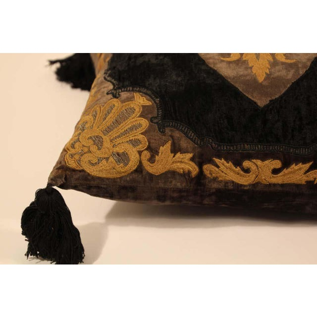 Indian Baroque Silk Velvet Applique Throw Decorative Pillow with Tassels For Sale - Image 3 of 11