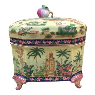 Chinoiserie Lidded Box Uw 1897 For Sale