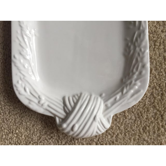Contemporary 1990s Portuguese Faience Creamware Platter For Sale - Image 3 of 7