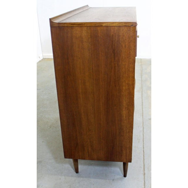Broyhill Mid-Century Modern Broyhill Premier Sculptra Tall Chest of Drawers For Sale - Image 4 of 13