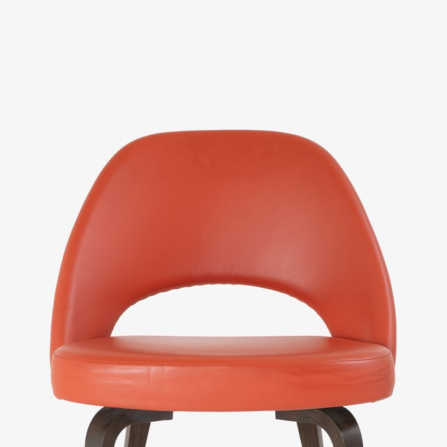 Saarinen Executive Armless Chairs in Burnt Orange Leather and Walnut Legs, Pair For Sale In New York - Image 6 of 8