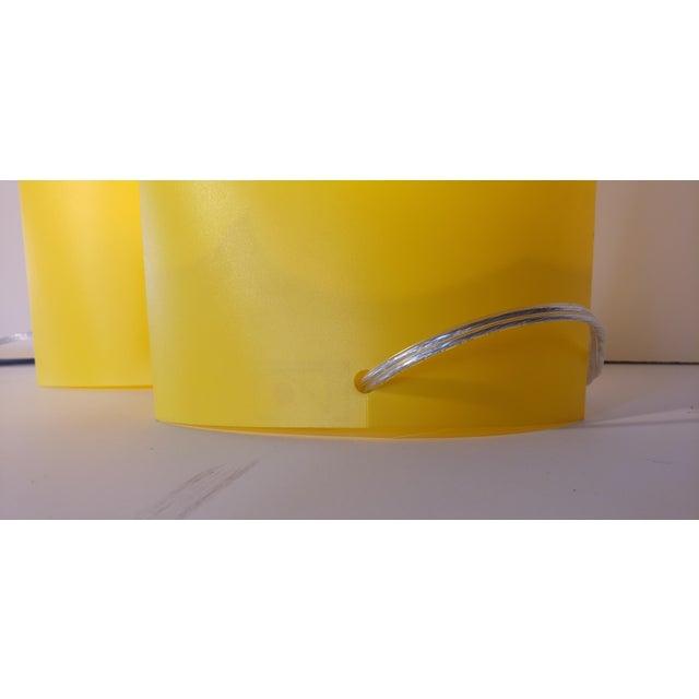 "1980s Yellow Memphis Pop Art ""T Shirt"" Lamps - a Pair For Sale - Image 5 of 6"