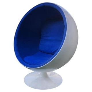 Mid-Century Modern Egg Chair For Sale