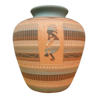 Vintage Dine Navajo Kokopelli Incised Jardiniere Vase For Sale