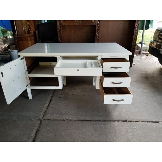 Mid-Century Modern Mid Century Modern Style Executive Desk For Sale - Image 3 of 13