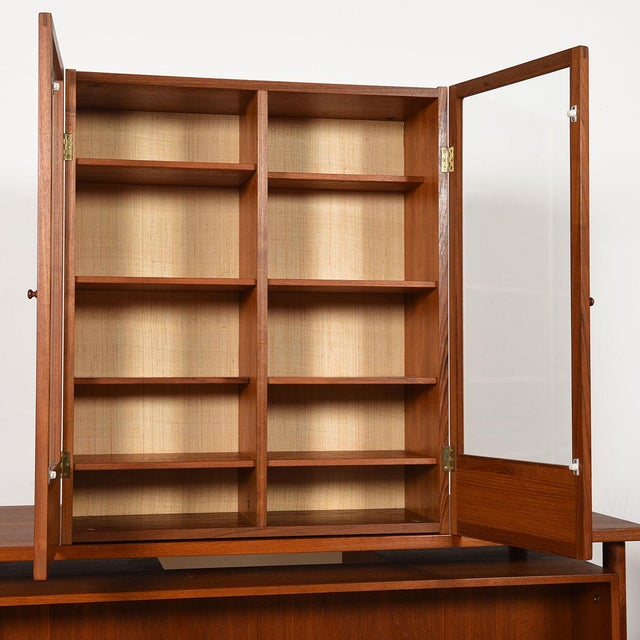 Mid 20th Century Danish Modern Teak Hanging Display Cabinet With Glass Doors For Sale - Image 5 of 8