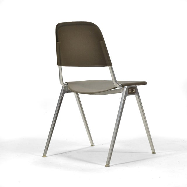 Mid-Century Modern Don Albinson Stacking Side Chairs by Knoll Set of 14 For Sale - Image 3 of 11
