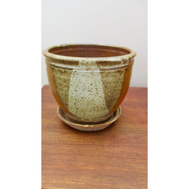 A fabulous planter plant pot with attached stand. Created in the manner of David Cressey / Robert Maxwell's dip glaze made...
