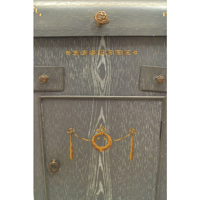French Provincial Grey Faux Wood Painted Tole Washstand For Sale - Image 4 of 6