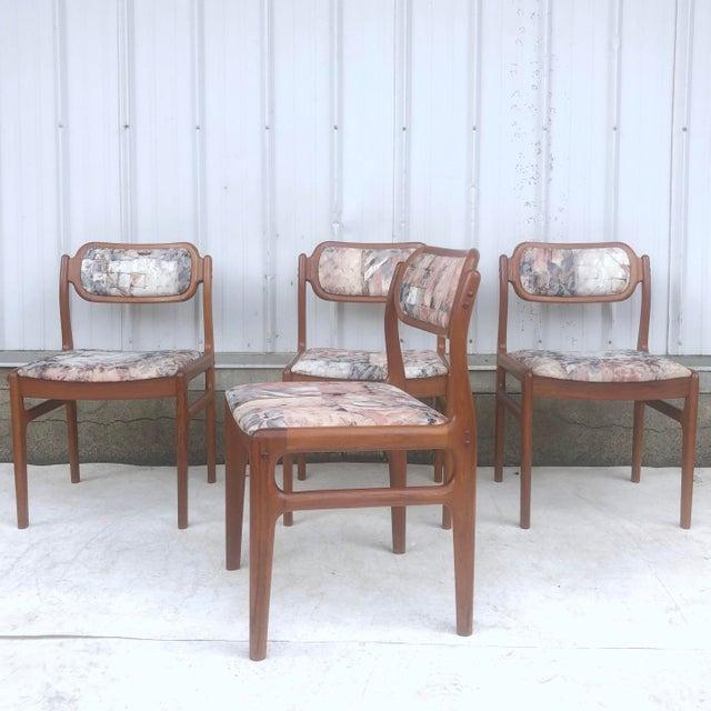 Mid-Century Modern Sculpted Teak Dining Chairs- Set of Four For Sale - Image 13 of 13