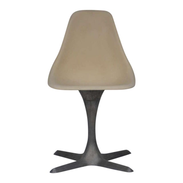 Set of 4 American 70's Brushed Aluminum and Eggshell Chairs For Sale