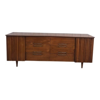 Mid Century Modern Nine Drawer Dresser by Young Mfg. Co For Sale