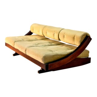 Superb Mid-Century Italian Design Champagne Colored Sofa / Daybed Model GS-195 by Gianni Songia for Sormani, 1960s For Sale