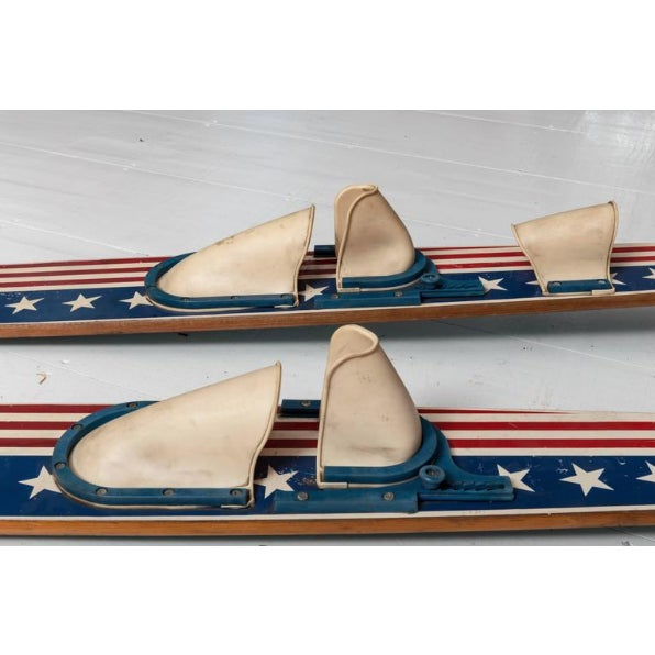 1970s Combination Pair of Vintage Patriotic Water Skis For Sale - Image 5 of 6