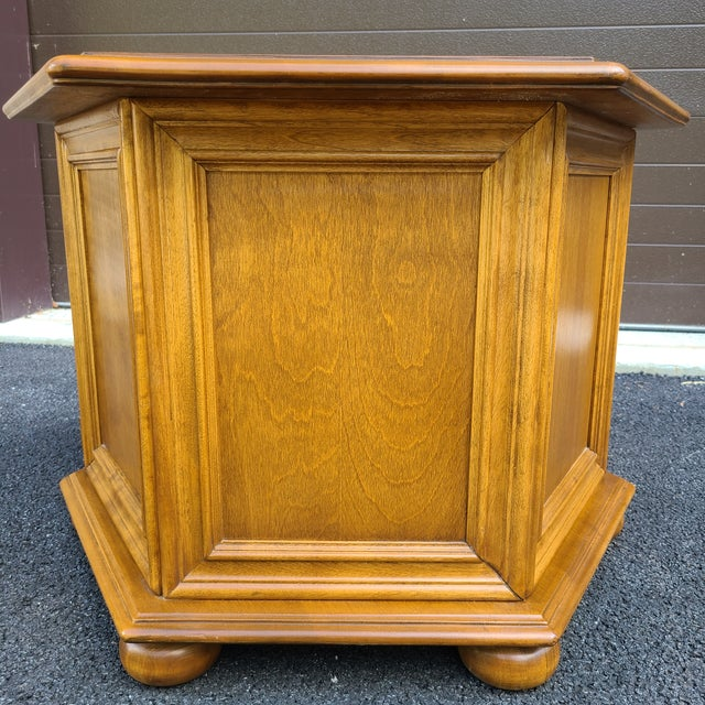 Metal Ethan Allen Heirloom Nutmeg Maple Hexagonal Storage Table For Sale - Image 7 of 13