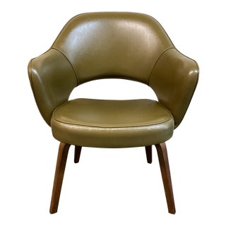 Mid 20th Century Knoll Eero Saarinen Executive Chair For Sale