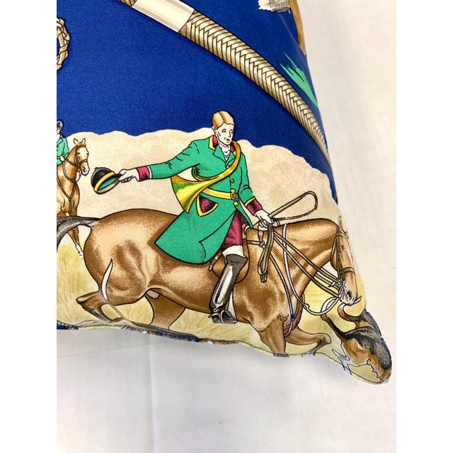 Traditional Hermès Paris Blue Silk Scarf Fox Hunt Pillow For Sale - Image 3 of 8