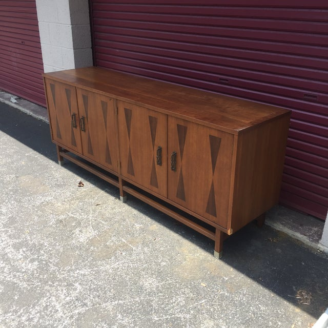 Vintage Stanley Furniture Mcm Mid Century Walnut Buffet With Chrome Capped Feet And Rosewood Bow Tie