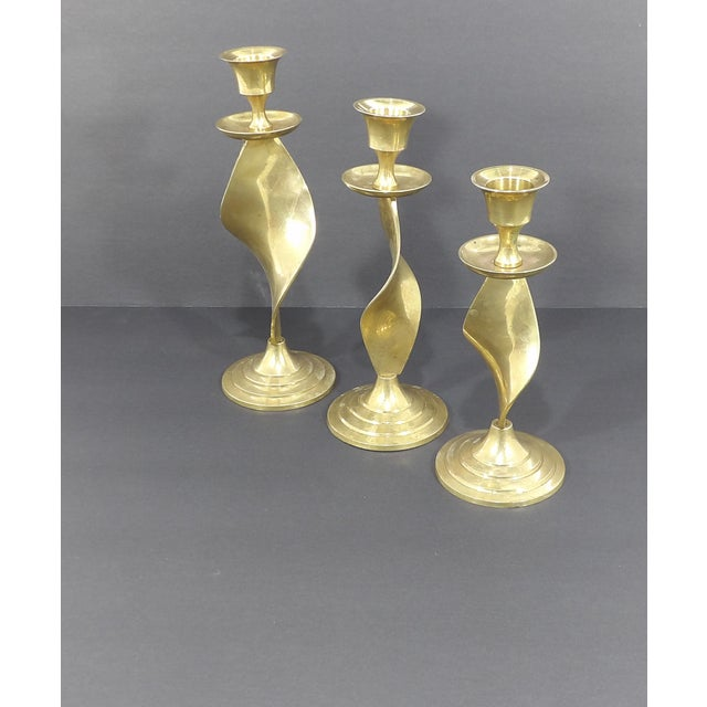 Mid Century Modern Gatco Twisted Brass Candlesticks - Set of 3 For Sale - Image 4 of 10