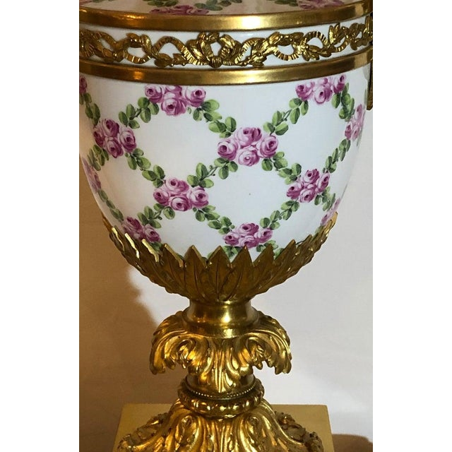 Belle Epoque French Table Lamp Trellis Floral Porcelain Urn With Rams Head Gilt Bronze Mounts For Sale - Image 3 of 13