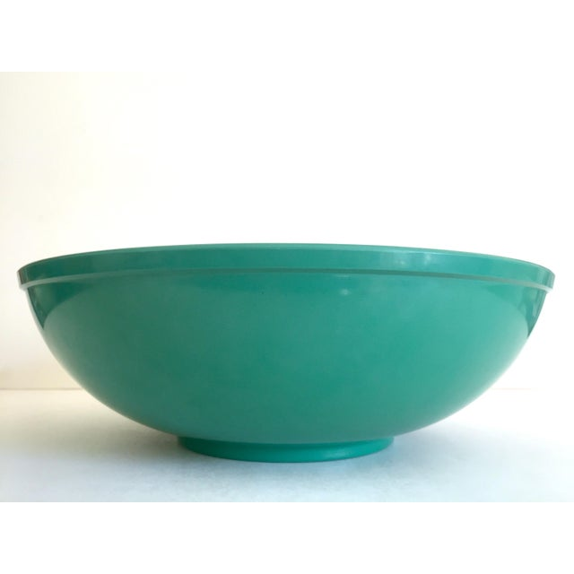 Mid-Century Modern Vintage Mid Century Modern Melmac Melamine Extra Large Teal Green Round Serving Bowl For Sale - Image 3 of 13