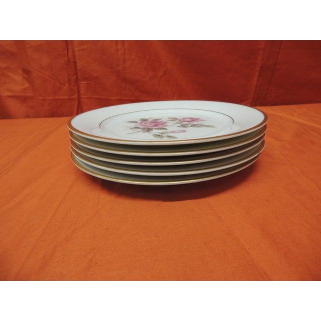 English Set of (6) Pink Roses Porcelain Dessert Plates With Gold Details. For Sale - Image 3 of 5