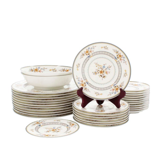 """Ivory Vintage Mikasa Bone China in """"Chippendale"""" Pattern, Set of 32 For Sale - Image 8 of 8"""