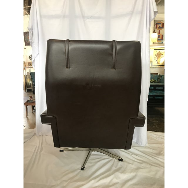 Vintage Mid Century Leather Swivel Chair For Sale - Image 4 of 7