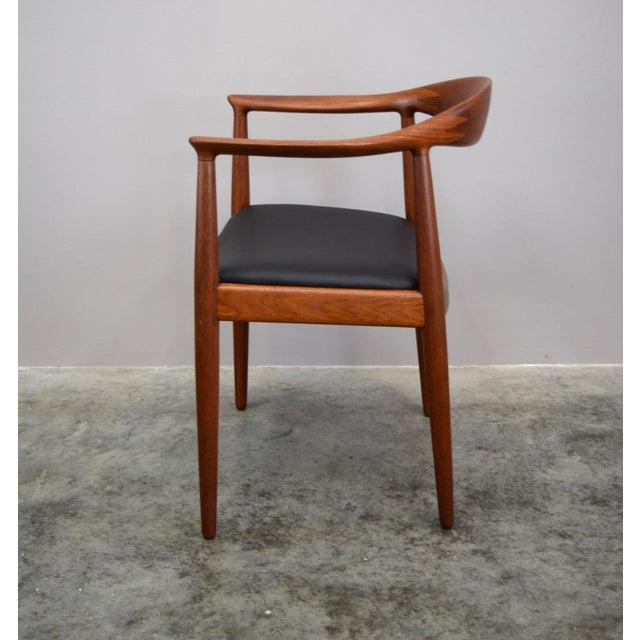 Hans Wegner Early Hans Wegner for Johannes Hansen Jh-503 'The Chair' in Teak & Leather For Sale - Image 4 of 13