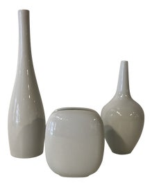 Image of Minimalist Vessels and Vases