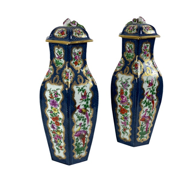 Antique English Worcester Vases With Lids - a Pair For Sale
