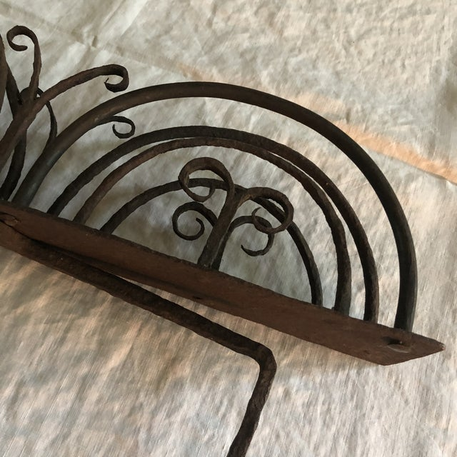 18th Century American Colonial Hand Forged Wrought Iron Rotary Bread Toaster For Sale In Minneapolis - Image 6 of 13
