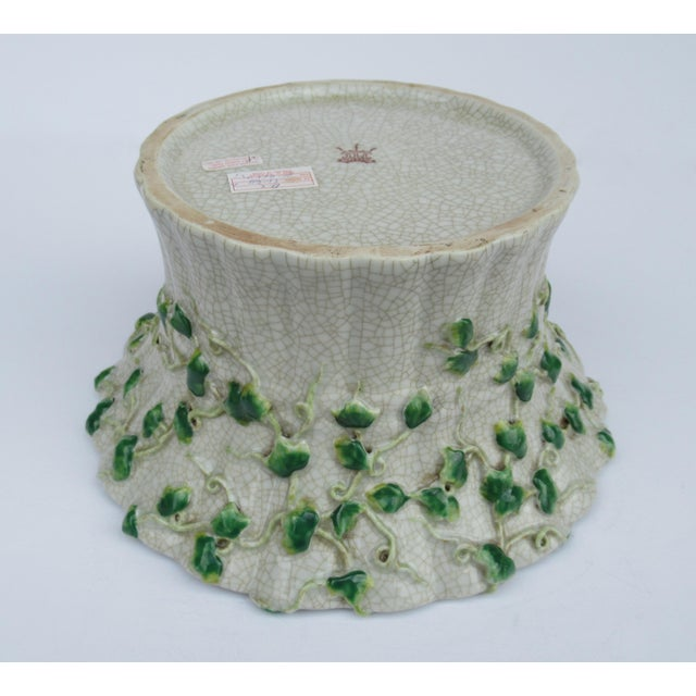 Vintage Ceramic Crackle Center Bowl With Adorned English Ivy by United Wilson/Hong Kong For Sale - Image 10 of 13