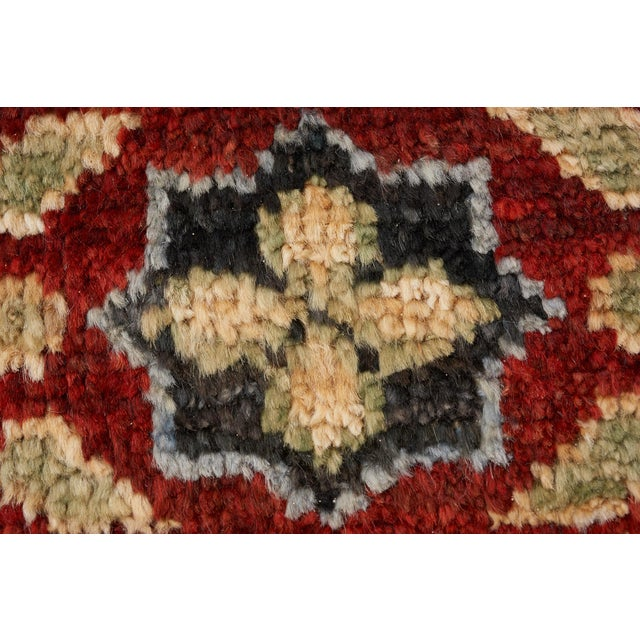 Schumacher Meetra Area Rug in Hand-Knotted Wool Silk, Patterson Flynn Martin For Sale In New York - Image 6 of 7