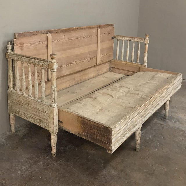 18th Century Swedish Gustavian Period Day Bed ~ Hall Bench Ca. 1790 For Sale - Image 4 of 13