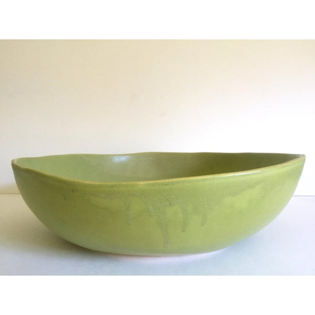 Alex Marshall Studios Pottery Vintage Organic Modernist Extra Large Chartreuse Ceramic Serving Bowl For Sale - Image 11 of 13