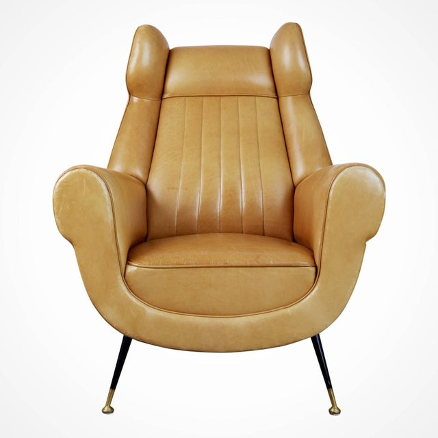 This pair of 1960s Gigi Radice for Minotti leather wingback chairs are currently the gallery owners favorite pair of...
