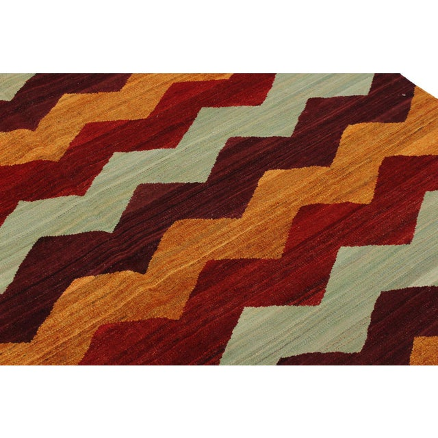 2000 - 2009 Abstract Kilim Margaret Hand-Woven Wool Rug - 6′4″ × 9′ For Sale - Image 5 of 8