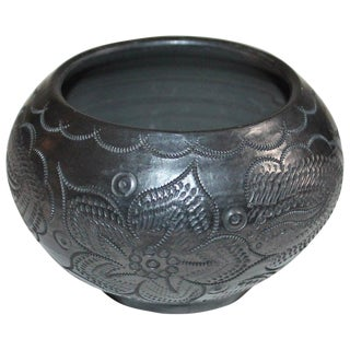 Signed Navajo Indian Pottery Bowl For Sale