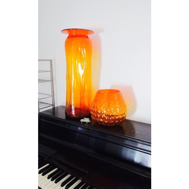 Blenko Bubble Glass Amberina Sandblasted Sig Vase - Image 4 of 11