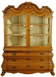 Image of China and Display Cabinets in Chicago
