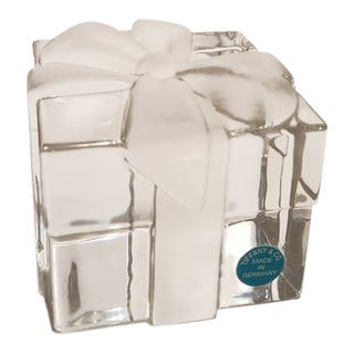 Americana Tiffany & Co Art Glass, Crystal Gift Box Paper Weight For Sale