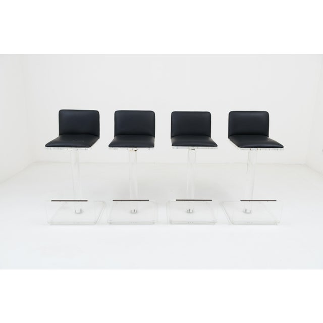 1970s French Set of 4 Lucite and Leather Swivel Bar Stools For Sale - Image 9 of 13